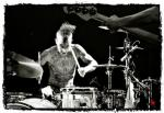 Plus 44 - News actu - Travis Barker fracture bras